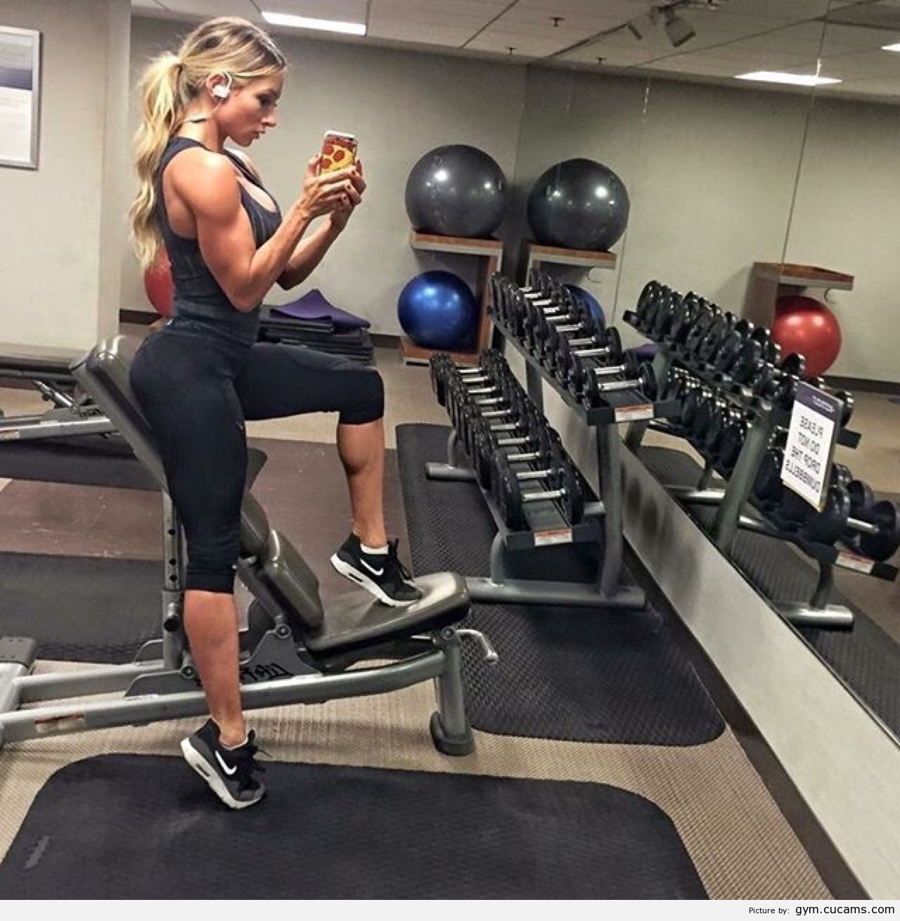 GYM Topless Pregnant by gym.cucams.com